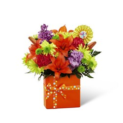 The FTD Set to Celebrate Birthday Bouquet from Victor Mathis Florist in Louisville, KY