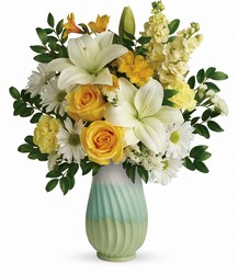 Teleflora's Art Of Spring Bouquet from Victor Mathis Florist in Louisville, KY